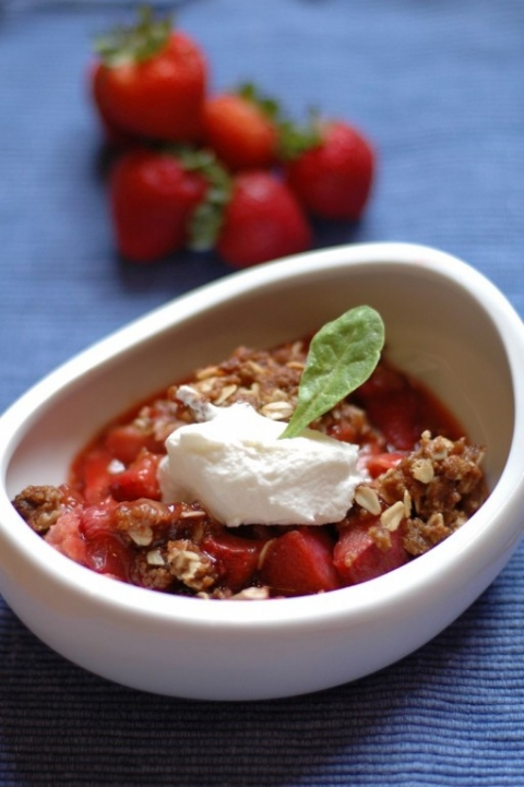 strawberry-rhubarb-crisp-1