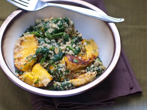Easy Quinoa Bowl Recipe with Winter Squash and Spinach | Umami Girl