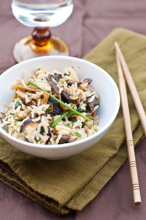 Mixed Mushrooms and Spinach in Brown Rice | Umami Girl