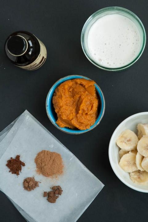 Pumpkin Spice Smoothie Recipe | Umami Girl