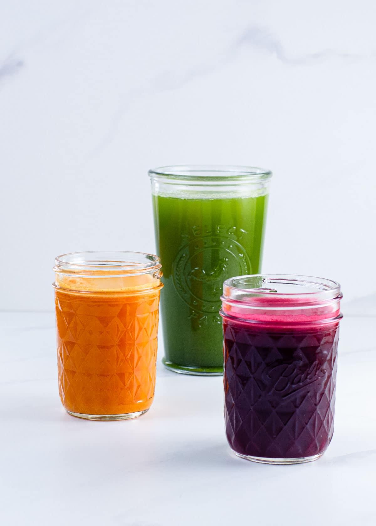 Juicing fo beginners (green juice, beet juice, and a turmeric shot)