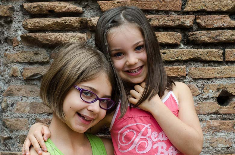 Sisters at the Colosseum Rome | Umami Girl 780