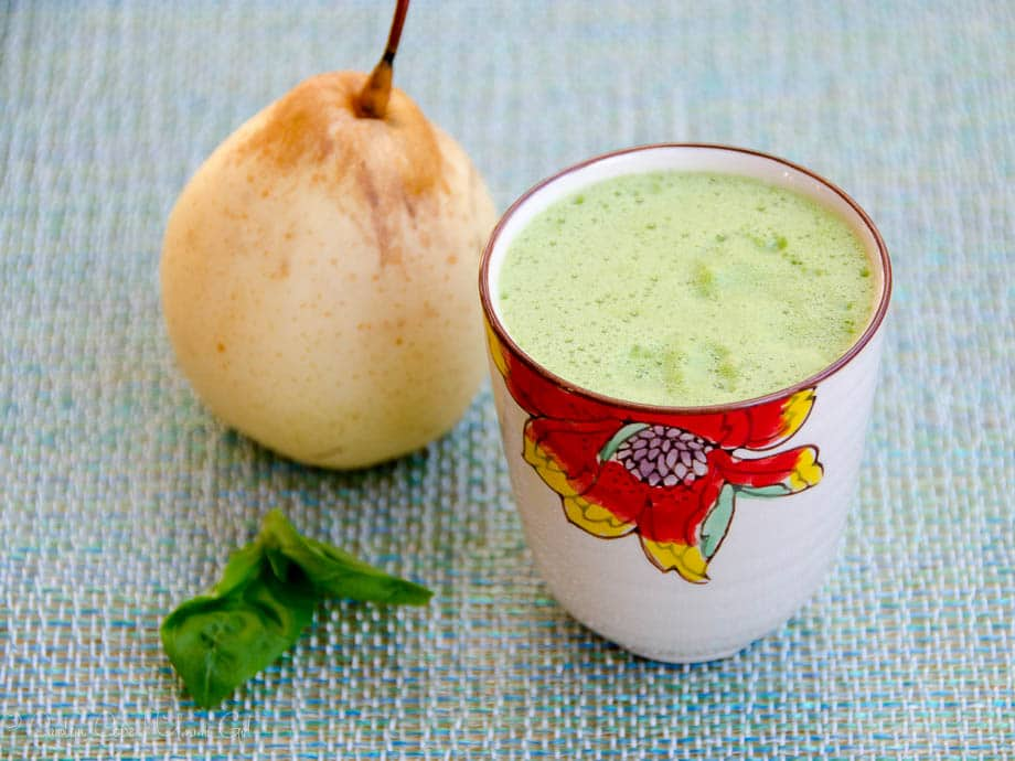 Three Fresh Juice Recipes: Asian Pear Juice with Basil