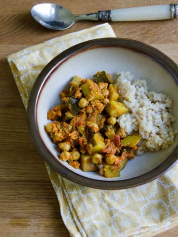 Zucchini and Chickpea Curry Recipe