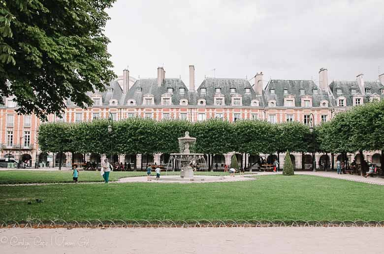Place des Vosges III Paris | Umami Girl 780