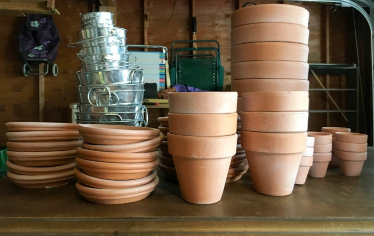 Faux-Weathered Pots for Herb Centerpieces | Umami Girl