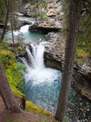 Johnston Canyon Hike Banff National Park Canada 780 | Umami Girl-6