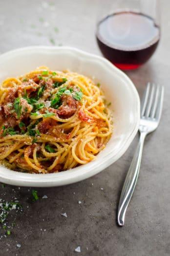 My Perfect Spaghetti al Pomodoro (with Tomato Sauce)