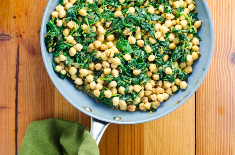 Quick Indian Spinach and Chickpea Curry | Umami Girl