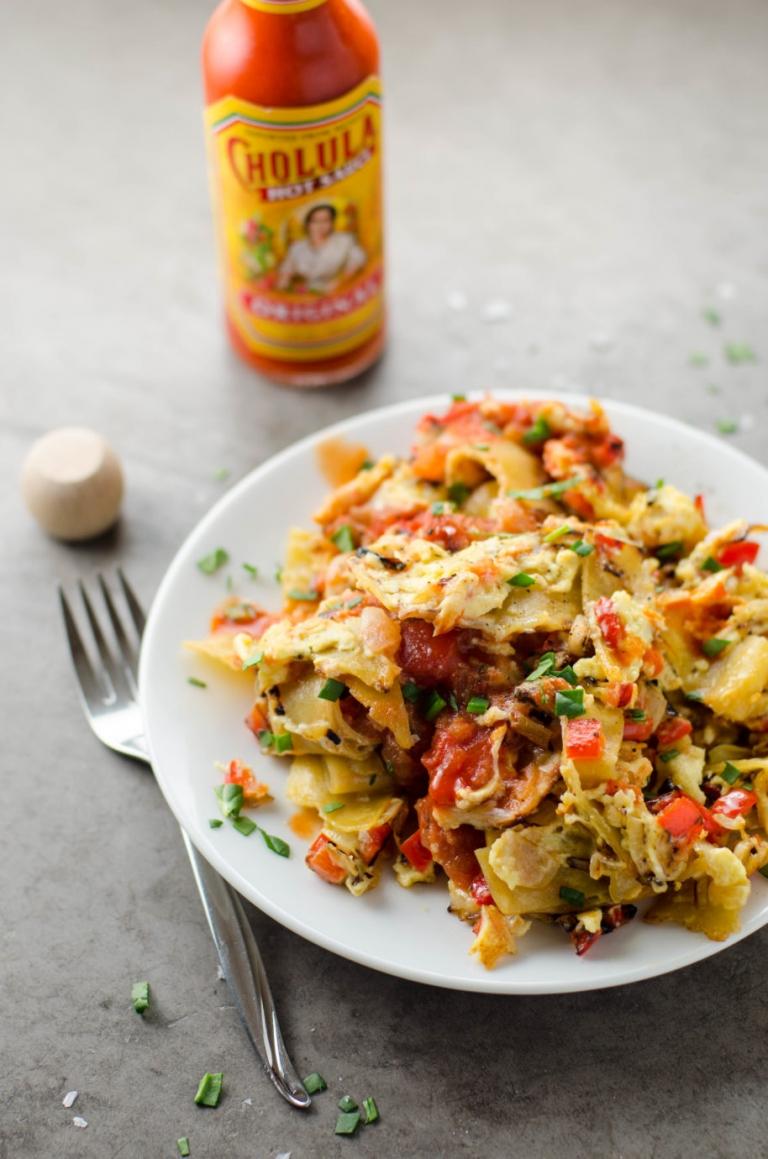 Easy Migas (Tex-Mex Scrambled Eggs and Tortillas) for One | Umami Girl