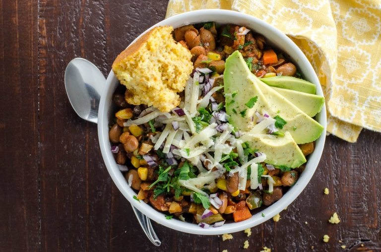 Smoky Vegetarian Chili Recipe with Pinto Beans and Corn | Umami Girl