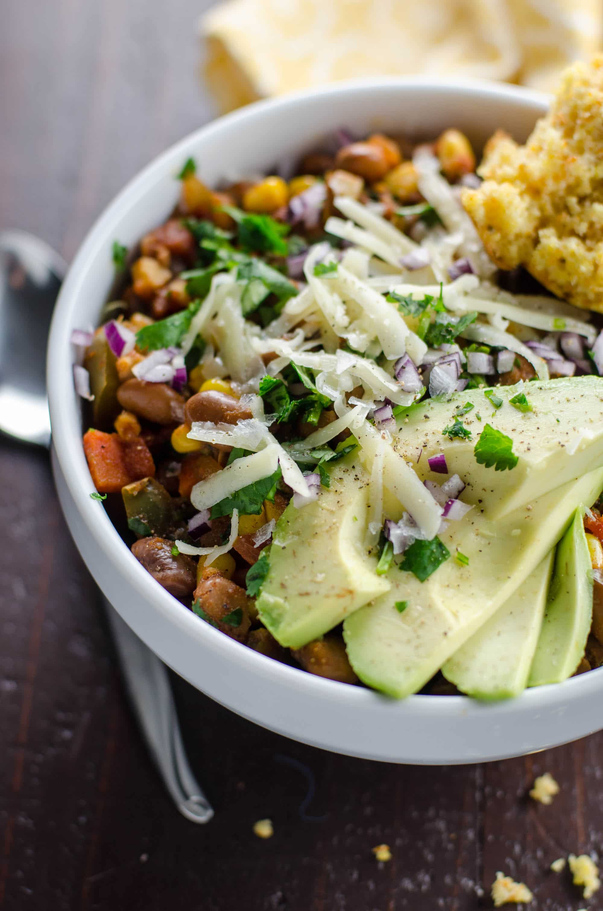 Smoky vegetarian chili recipe with pinto beans and corn umami girl forumfinder Images