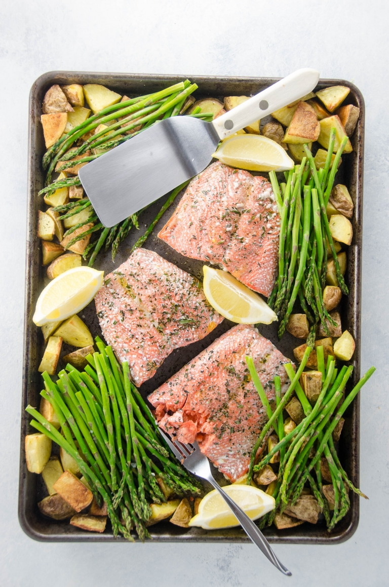 Sheet Pan Dinner: Roasted Salmon with Potatoes and Pencil Asparagus | Umami Girl