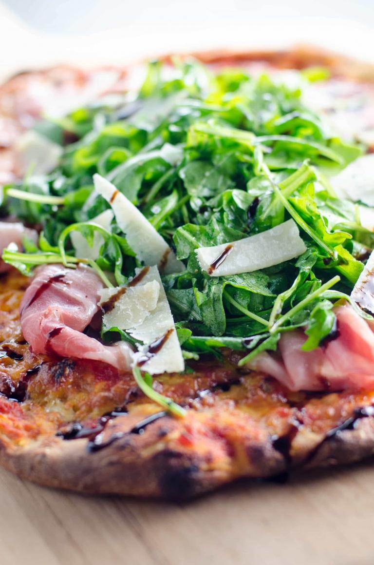 Prosciutto Arugula Pizza with Balsamic Drizzle | Umami Girl