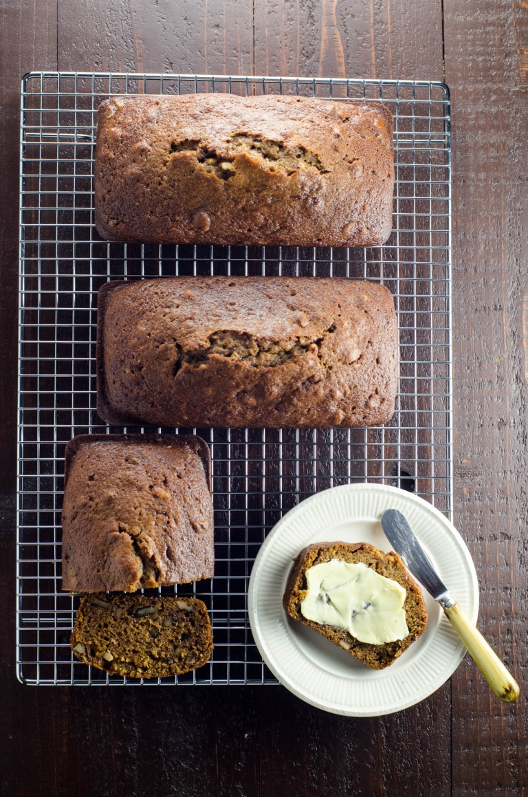 Easy Pumpkin Bread Recipe with Olive Oil | Umami Girl