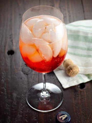 Aperol Spritz Recipe Classic Cocktails 780 | Umami Girl-2