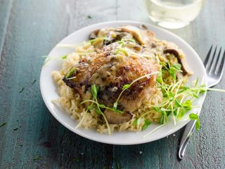 Braised Chicken Thighs with Leeks and Mushrooms