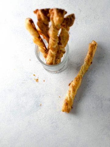 Cheese Straws Recipe with Puff Pastry and Cheddar 780 | Umami Girl-2