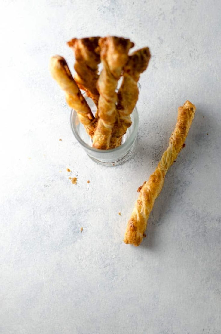 Cheese Straws Recipe with Puff Pastry and Cheddar