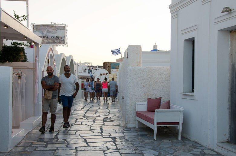 Oia Village Santorini Greece Shopping and Skiza Cafe 780 | Umami Girl