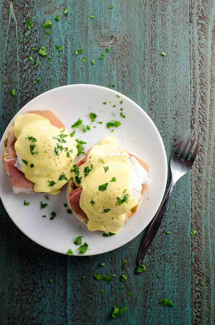 Prosciutto Eggs Benedict with Blender Hollandaise Sauce