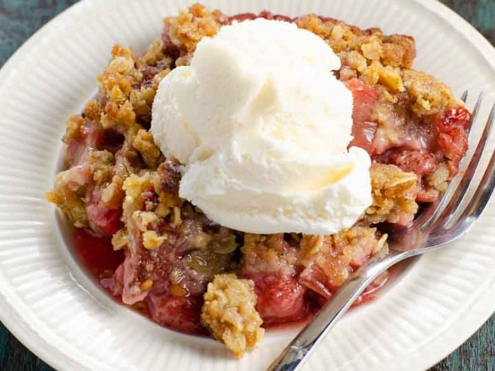 Strawberry Rhubarb Crisp 780 | Umami Girl-2