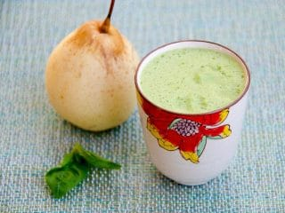 Asian Pear Juice with Basil and Lemon
