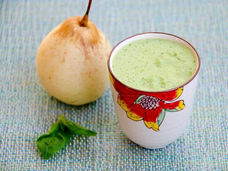 Asian Pear Juice with Basil and Lemon 780 | Umami Girl