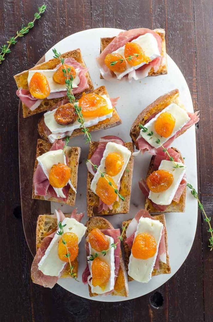 Prosciutto and Brie Toasts with Jammy Apricots
