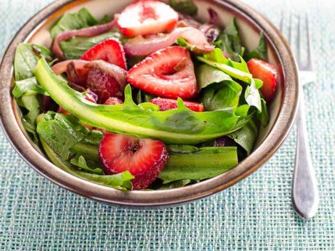 Dandelion Salad with Balsamic Strawberries and Onions 780 | Umami Girl-2