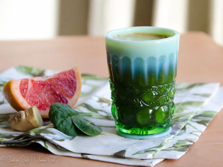Green Juice with Pink Grapefruit and Ginger
