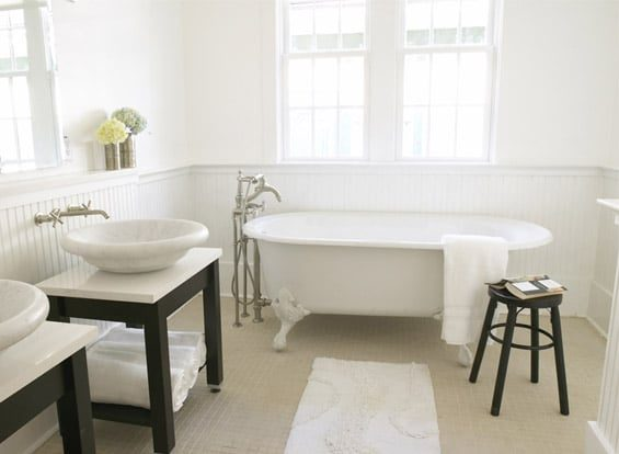 Double sink clawfoot tub bathroom inspiration | Umami Girl