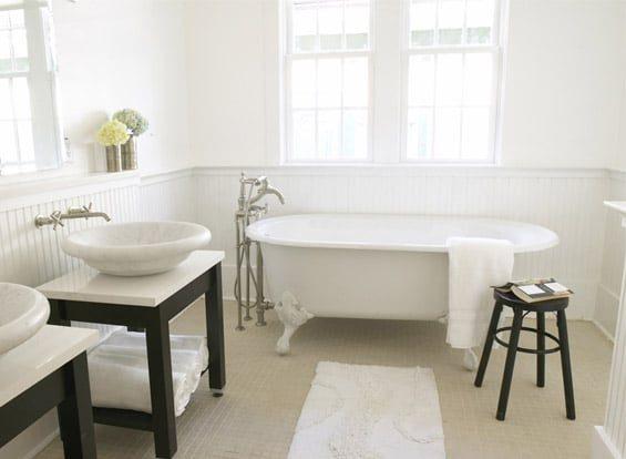 Double sink clawfoot tub bathroom inspiration | Umami Girl