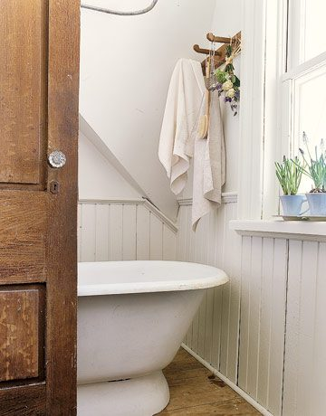 Cottage Bathroom | Umami Girl