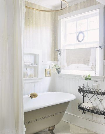 White Bathroom | Umami Girl