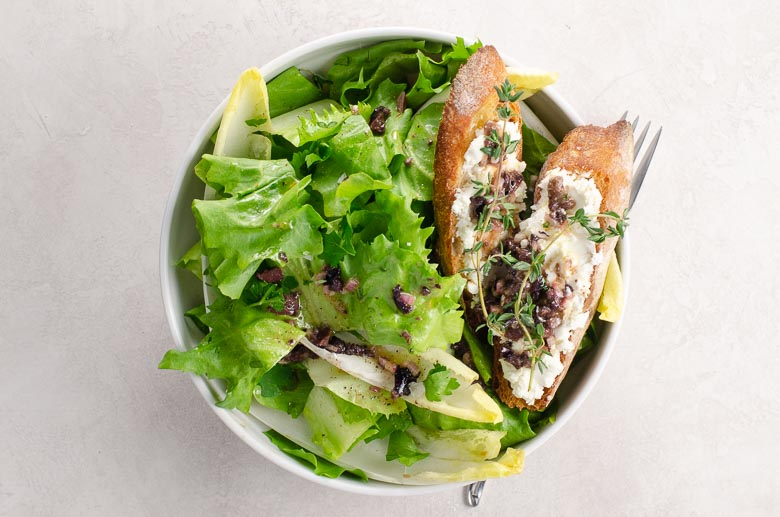 Escarole, Chicory & Endive Salad with Olive Vinaigrette and Goat Cheese Croutons | Umami Girl 780-2