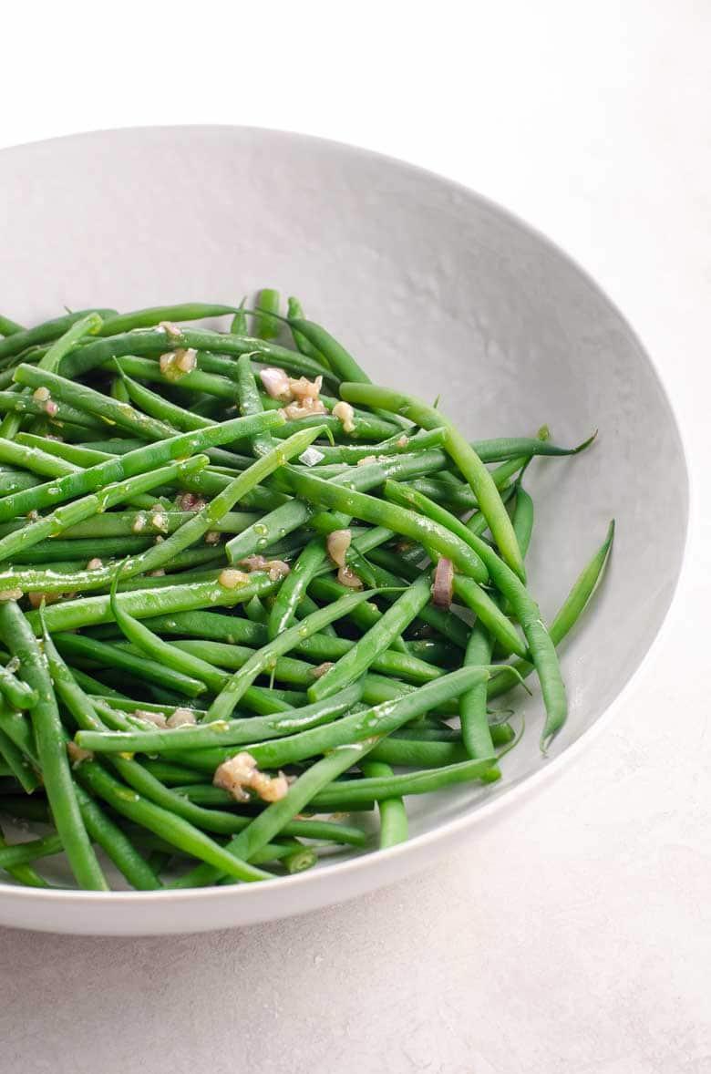 Green Beans (Haricots Verts) with Shallot Vinaigrette | Umami Girl 780-2