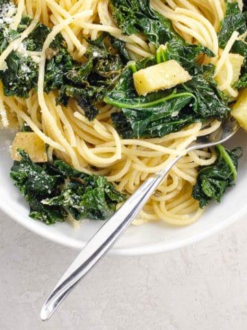 Spaghetti with Garlicky, Lemony, Creamy Kale 780 | Umami Girl
