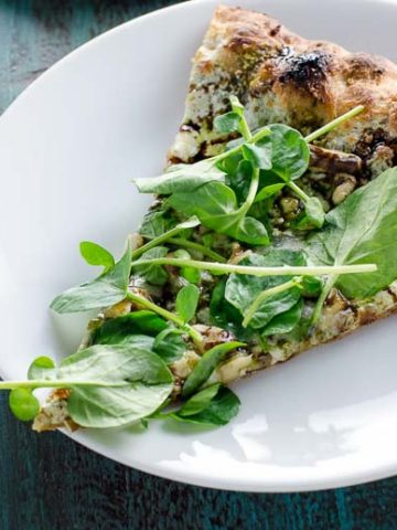 Watercress Pesto Pizza with Blue Cheese and Balsamic Glaze 780 | Umami Girl-3