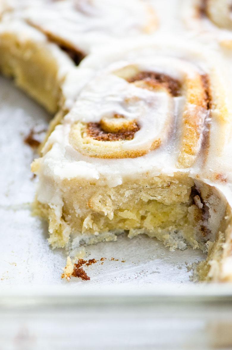 closeup of cinnamon roll in a pan