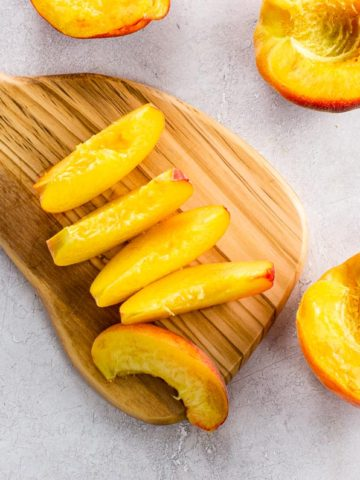 how to cut a peach into halves and slices