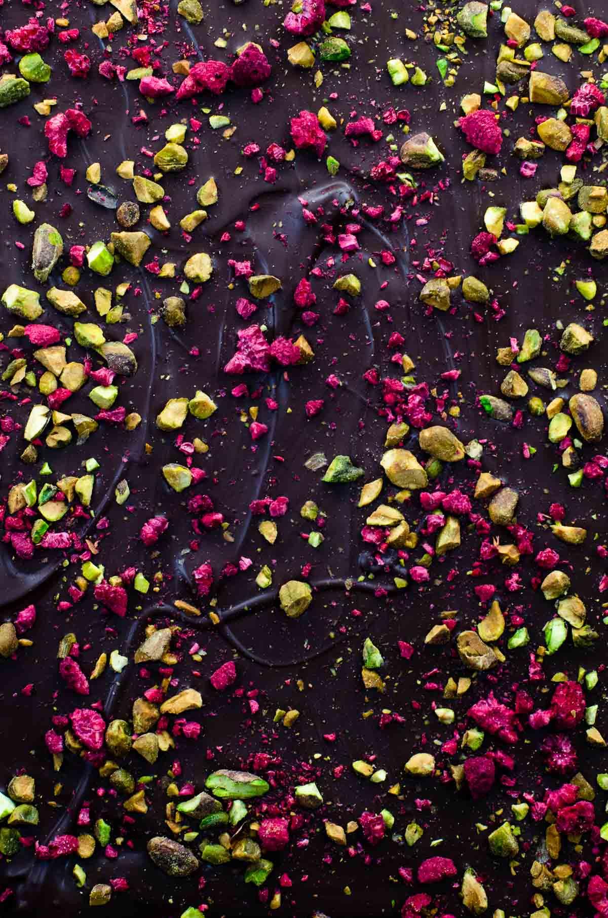 Christmas Bark (Dark Chocolate Bark with Pistachio and Raspberry)